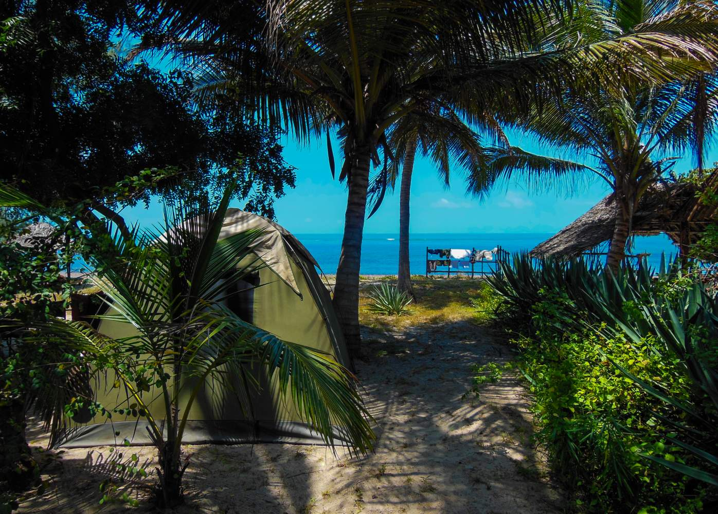 Tanganyika See Safari Reise Expedition Camping