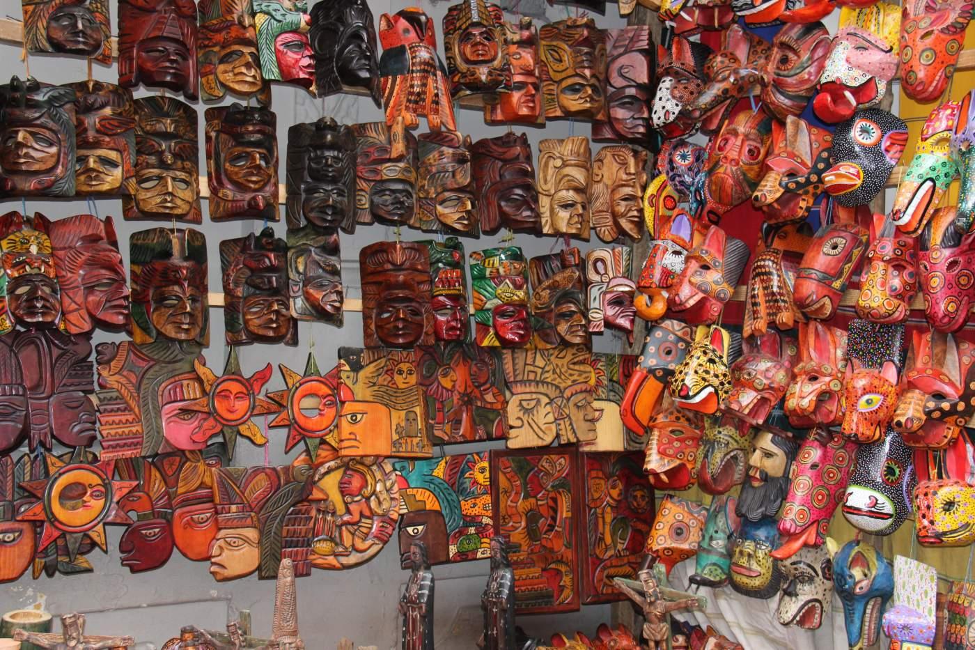 Handwerk auf dem Markt in Chichicastenango